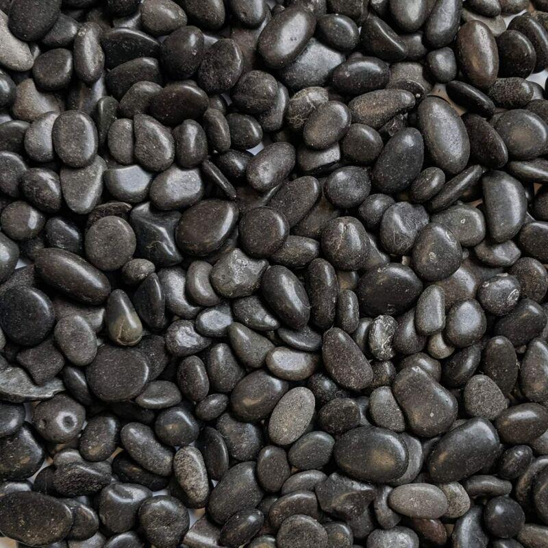 Fekete gyöngykavics aljzat